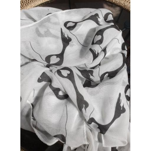 white heart scarf.jpg